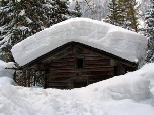 Cabin_snow_roof (Large)
