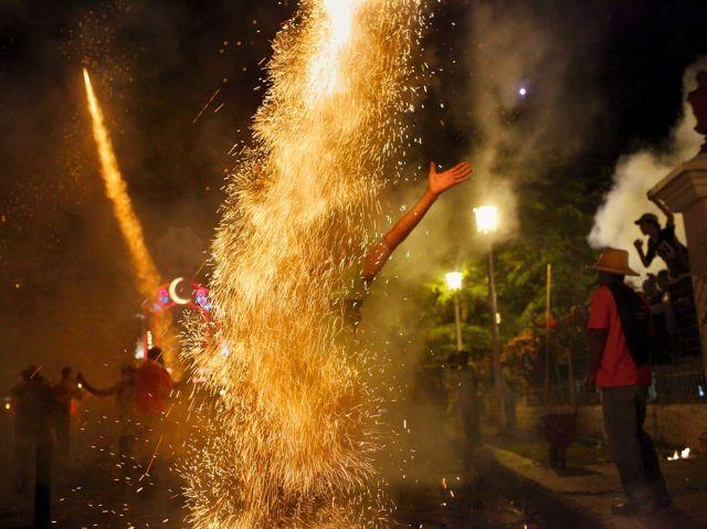 parrandas festival fireworks-cuba-paolo pellegrin