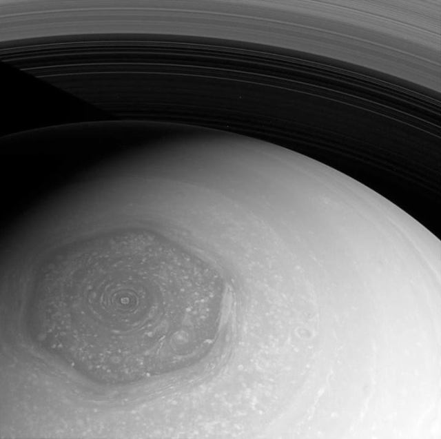 saturn nor hexagon-polar vortex-cassini
