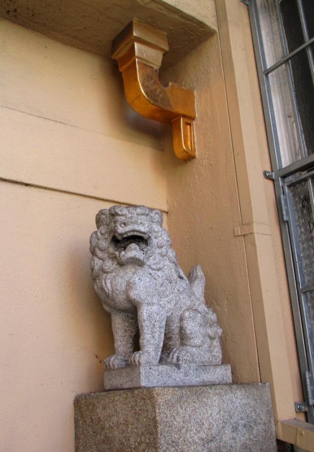 chinatown-alley lion