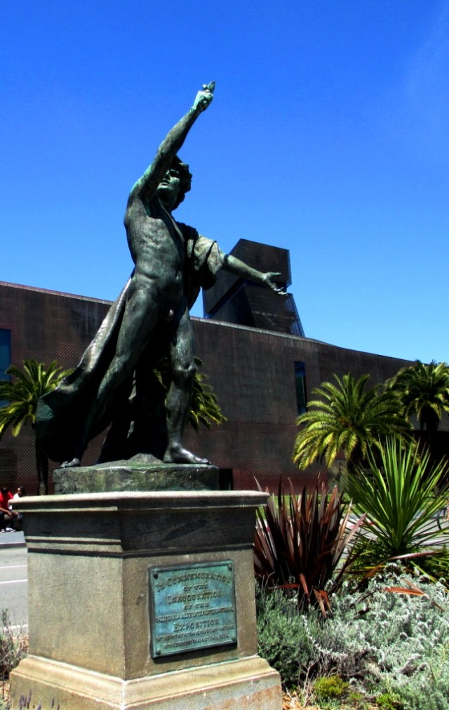 GGP-statue2