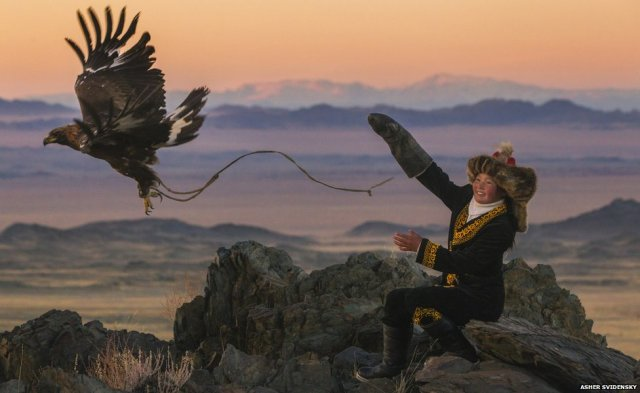 young kazakh eagle hunter-Ashol Pan-altai mtns-w mongolia_Asher Svidensky