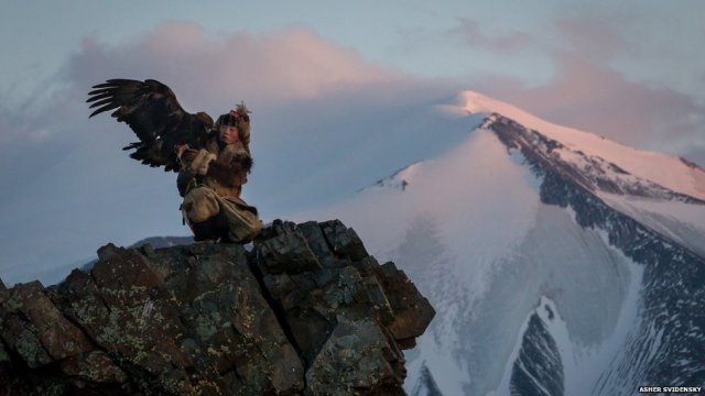 young kazakh eagle hunter-bahak birgen-altai mtns-w mongolia_Asher Svidensky