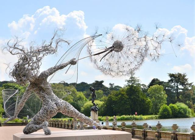 wire sculpture-robin wight-fantasywire.co.uk