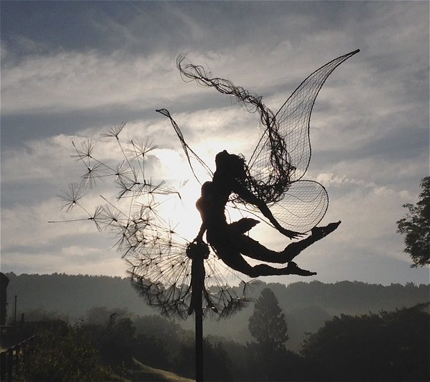 wire sculpture-yingyanfront-robin wight-fantasywire.co.uk