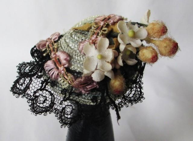 grey straw w-black lace