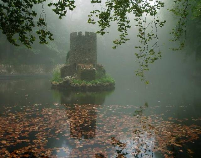 tiny island fort