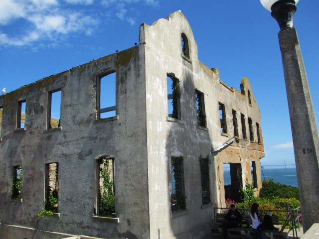 wardens house ruins1