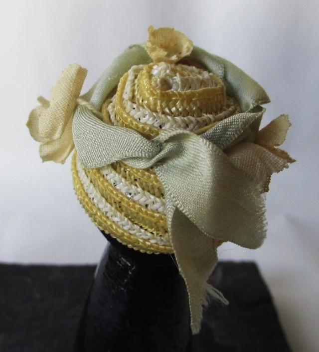 yellow white straw grey ribbon1