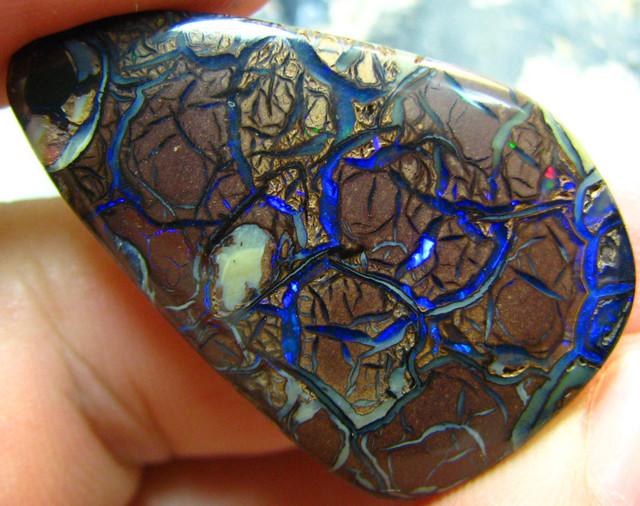 boulder opal blue streaks