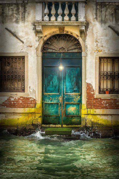 the door-venice-italy_Wellington Goulart
