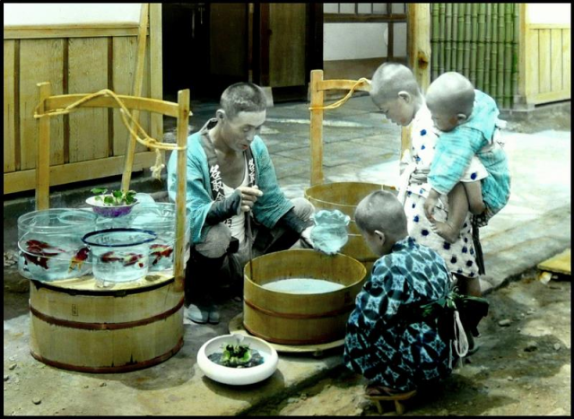 The Goldfish Seller-circa 1915-1922-autochrome_T. Enami of Yokohama