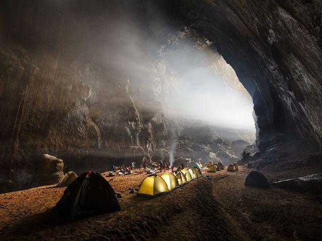 cavers-camp-hang-son-doong-phong-nha_ke-bang-np-vietnam-ryan-deboodt