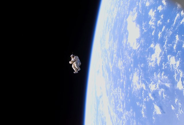 suitsat1_empty-russian-spacesuit-filled-with-old-clothes-radio-transmitter-2006-nasa
