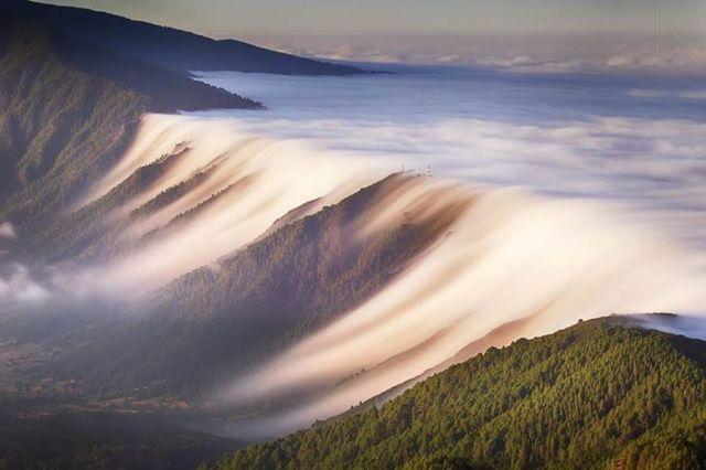 cloud-waterfall-canary-islands-spain_dominic-dahncke