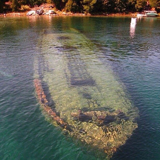 shipwreck-tobermory-canada_reavely