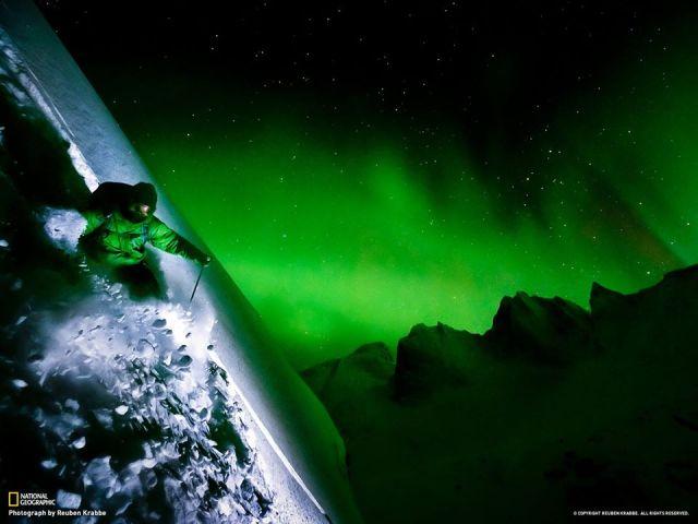 skier-aurora-tombstone-range-yukon_reuben-krabbe
